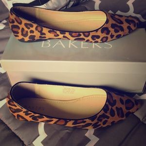 New Leopard Flats size 10 (40)